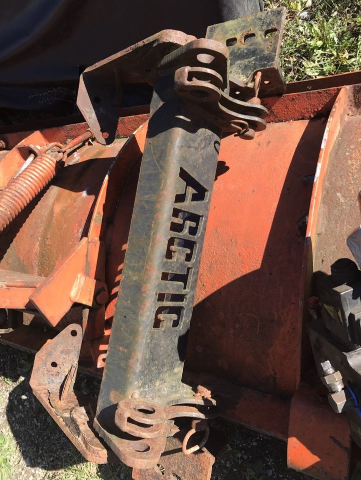ARCTIC 7.5 PLOW FITS 02 CHEVY 1500
