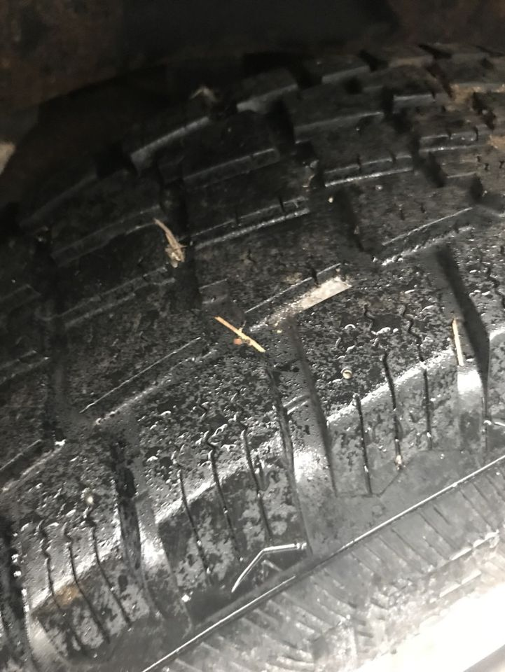 4 snow winter tires 235/75/15 avalanche