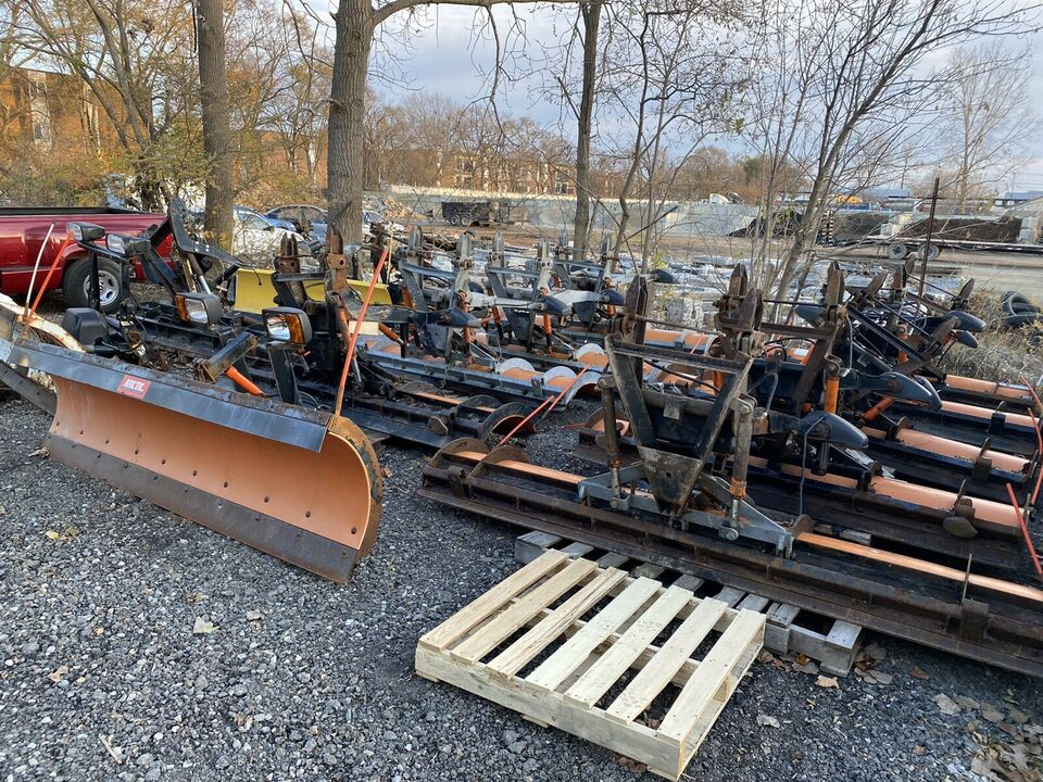 1 Snow plow , lift bracket , pump